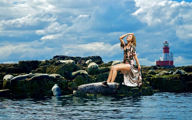 The Siren on the Rocks